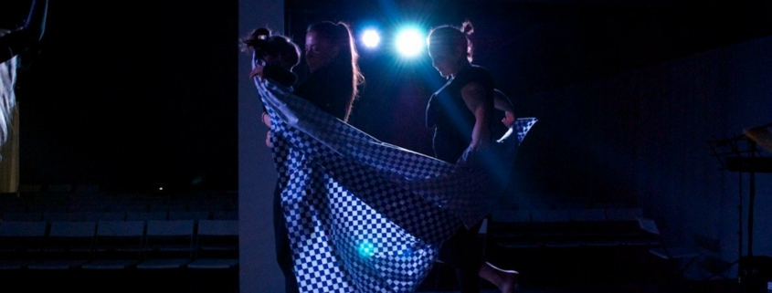 arte & vida dark lights dancing with little girl photo
